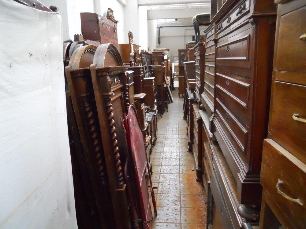 libreria-legno-by-Mercatino-la-Pulce-Cocquio